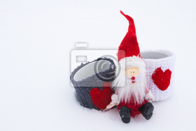 Santa Claus na białym śniegu.