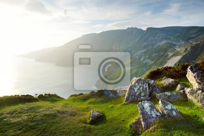 Naklejka Slieve League, najwyższe klify w Irlandii, położone w południowo-zachodniej Donegal, wzdłuż tej wspaniałej, nadmorskiej trasy.