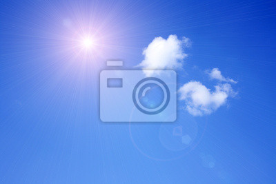 słoneczne niebo w tle i chmury