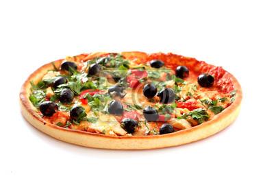 smaczne Pizza z oliwek samodzielnie na białym tle