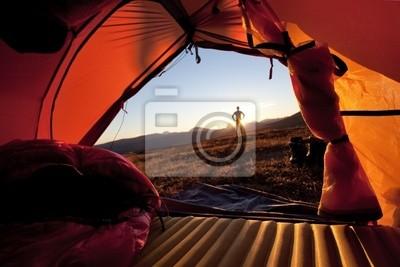 Sonnenaufgang im Zelt w Laponii