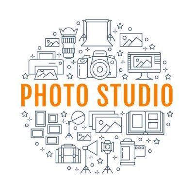 Sprzęt fotograficzny plakat z ikonami płaskiej linii. Aparat cyfrowy, zdjęcia, oświetlenie kamer wideo, akcesoria fotograficzne, karta pamięci, statyw. Ilustracja wektorowa koła, broszura photostudio
