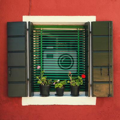 Stare okna. Burano Wenecja