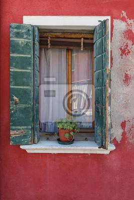 Stare okna na wyspie Burano