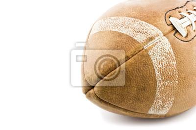 stary brązowy skórzana piłka na białym tle
