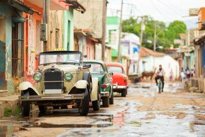 Naklejka Stary cabrio samochód na ulicy w Trinidad, Kuba