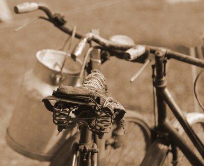 Naklejka stary rower z ubiegłego wieku używane do transportu mleka przez Mi