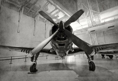Naklejka Stary samolot w hangarze