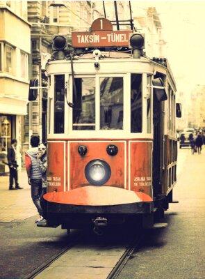 Naklejka Stary tramwaj na ulicy Istiklal w Stambule.