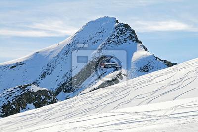 Stok narciarski w austriackich Alpach
