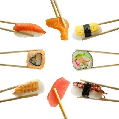 Naklejka sushi pałeczkami na białym tle