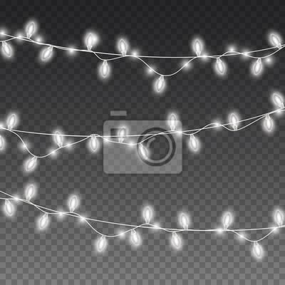 Światła żarówki na przezroczystym tle. Świecące białe girlandy świąteczne. Wektor dekoracje świąteczne nowego roku.