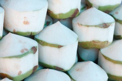 Naklejka Świeże kokosy na rynku
