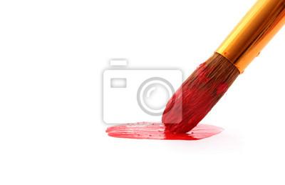 Szczotka w czerwonej farby zbliżenie