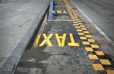 Naklejka TAXI - znak na drodze