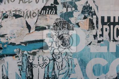 Torn Ripped Paper Poster Street Wall Surface. Grunge Szorstki Brudny Zrudziały Tło. Tekstura typografii miejskiego kolażu.