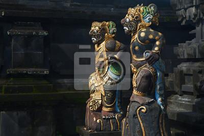 Tradycyjne balijski demon posągi guard