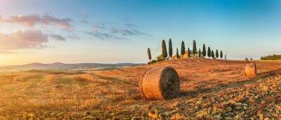 Naklejka Tuscany landscape with farm house at sunset, Val d'Orcia, Italy