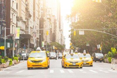Naklejka Typowe żółte taksówki w Nowym Jorku