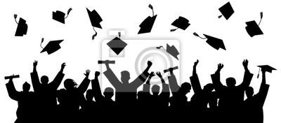 Naklejka Ukończył studia na uniwersytecie. Tłum absolwentów w płaszczach, rzuca kwadratowe akademickie czapki. Wesoły ludzie sylwetka wektor