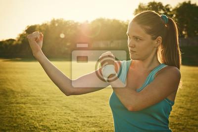 Uprawiania sportu w zachodzie słońca
