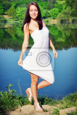 Uroda w białej sukni