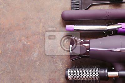 Naklejka Ustaw narzędzi fryzjerskich - suszarka do włosów, lokówka, grzebień