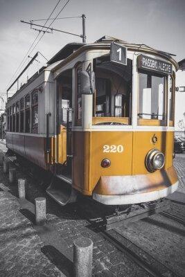Naklejka Uwypuklają obraz wózka Porto wyjątkiem szczególności jego żółty.
