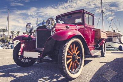 Naklejka Vintage samochód w porcie.