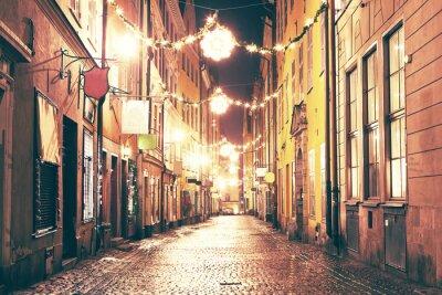 Naklejka W nocy ulica w Gamla Stan, Sztokholm.
