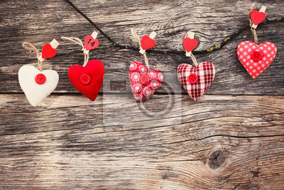 Walentynki Serca na tle drewnianych. Styl vintage, stonowanych, miękki. Valentine koncepcja dzień.