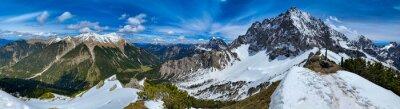 Naklejka Wanderurlaub im schönen Bayern: Blick vom Steinkarkopf Gipfel / Wörnerkopf / Wörnersattel auf Mittenwald