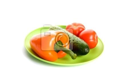 warzywa na płycie samodzielnie na białym tle