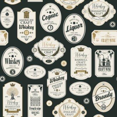 Naklejka Wektorowy bezszwowy wzór z kolażem etykietki dla różnych napojów alkoholowych w stylu retro z inskrypcjami whisky, alkohol, koniak, wino, brandy.