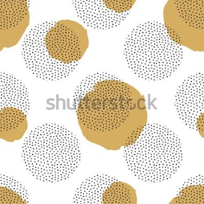 Naklejka Wektorowy bezszwowy wzór z round kropkowanymi elementami i złotymi okręgami. Modne tło Memphis.