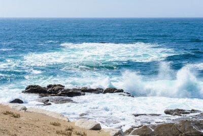Naklejka widok na fale na oceanie