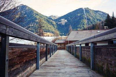 Naklejka Widok na góry z mostu