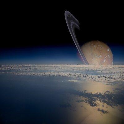Naklejka Widok z satelity na orbicie wokół otoczonej pierścieniami planety.