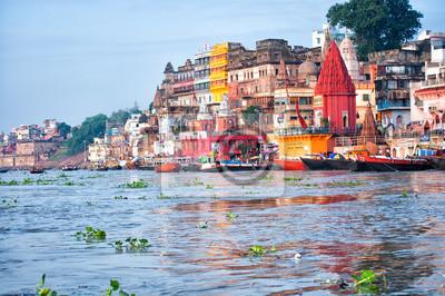 Naklejka Widok z Varanasi z rzeki Ganges