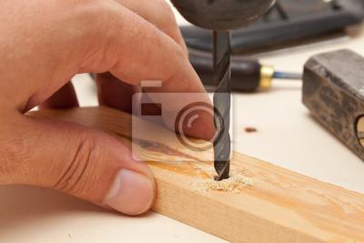 Wiercenie otworu w drewnie