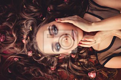 włosy z róż rozwinąć tkaniny kolorowe Marsala.