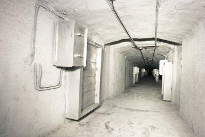 Naklejka Wnętrze przemysłowej tunelu systemu vantilation