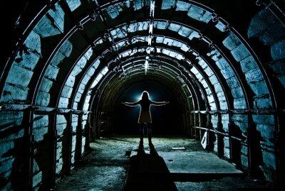 Naklejka Wnętrze tunelu w opuszczonej kopalni