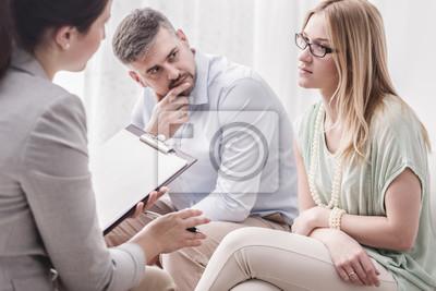 Naklejka Woman talking to psychologist