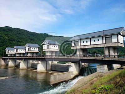 家 み た い な 水 門