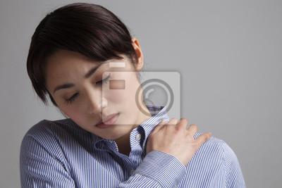 肩こり の 女性
