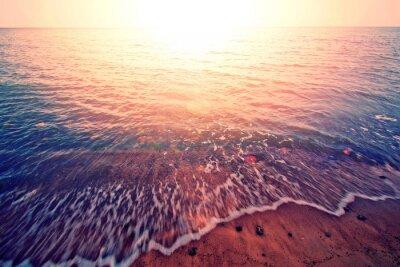 Naklejka Zachód słońca nad morzem.