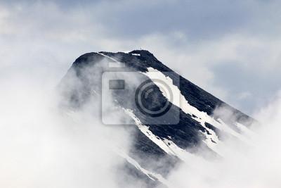 Zaśnieżone szczyty Alp