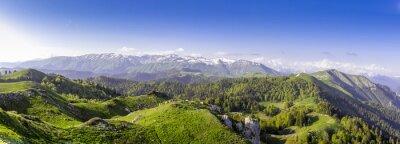 Naklejka Zielone wzgórza i góry