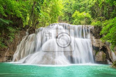 3th piętrze Erawan wodospad w Kanchanaburi, Tajlandia
